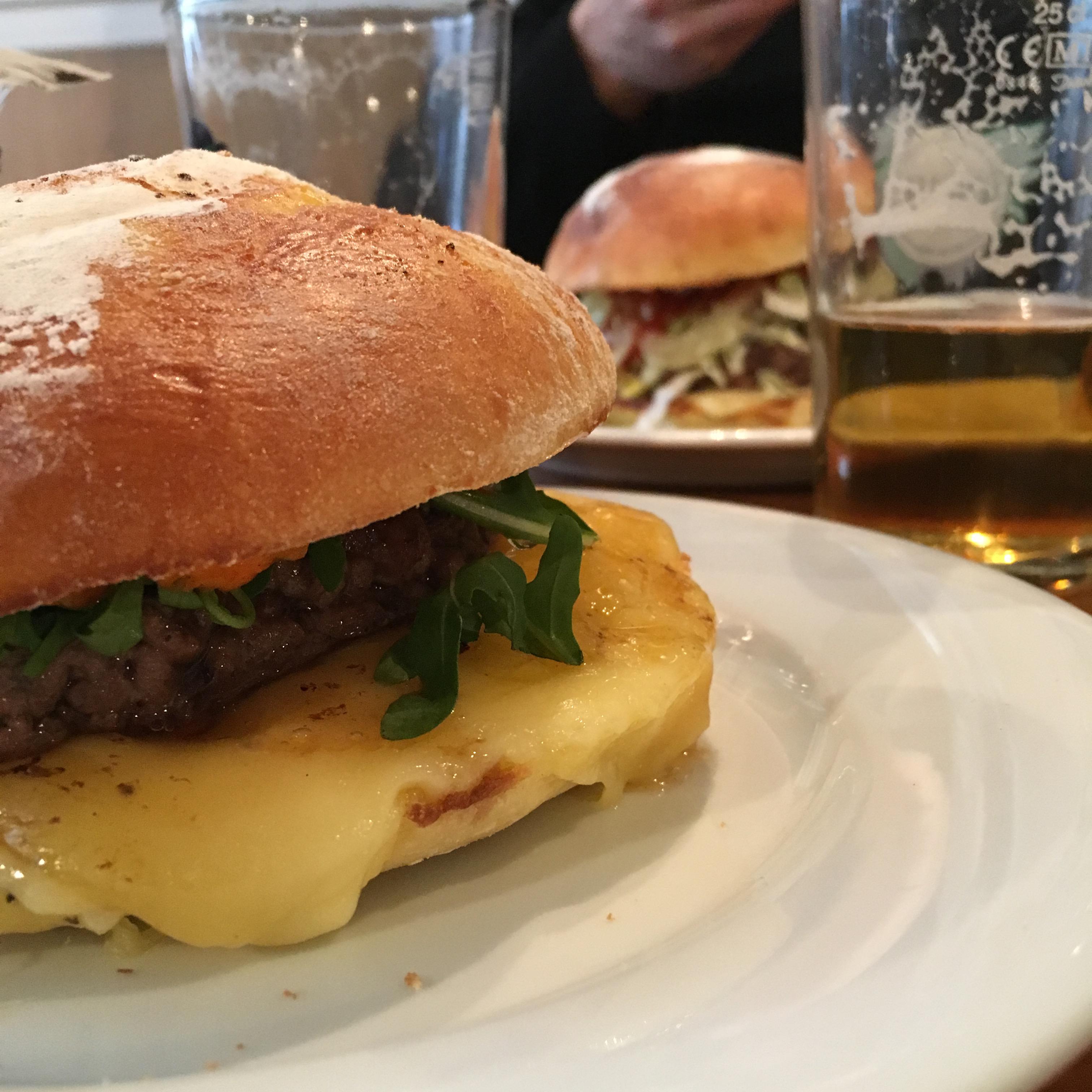batignolles lesbatignolles paris17 restaurant bistrotleh burger food yummy
